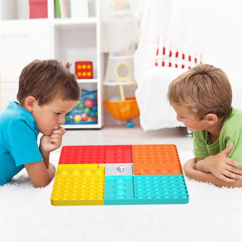 Checkerboard popitspel 4-sidors